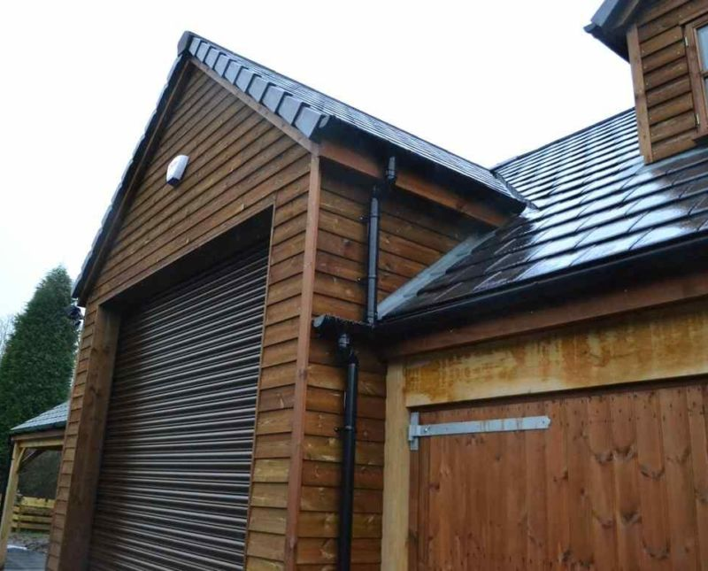 Garage With Room Above Central Motor Home Store And
